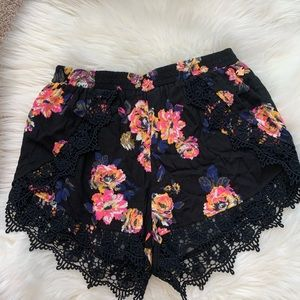Worn Once Kendall & Kylie Floral Lace Shorts M